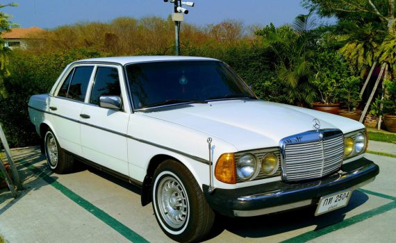 พ.ศ.2560 Mercedes-Benz W123 300D USA SPEC ปี 1979